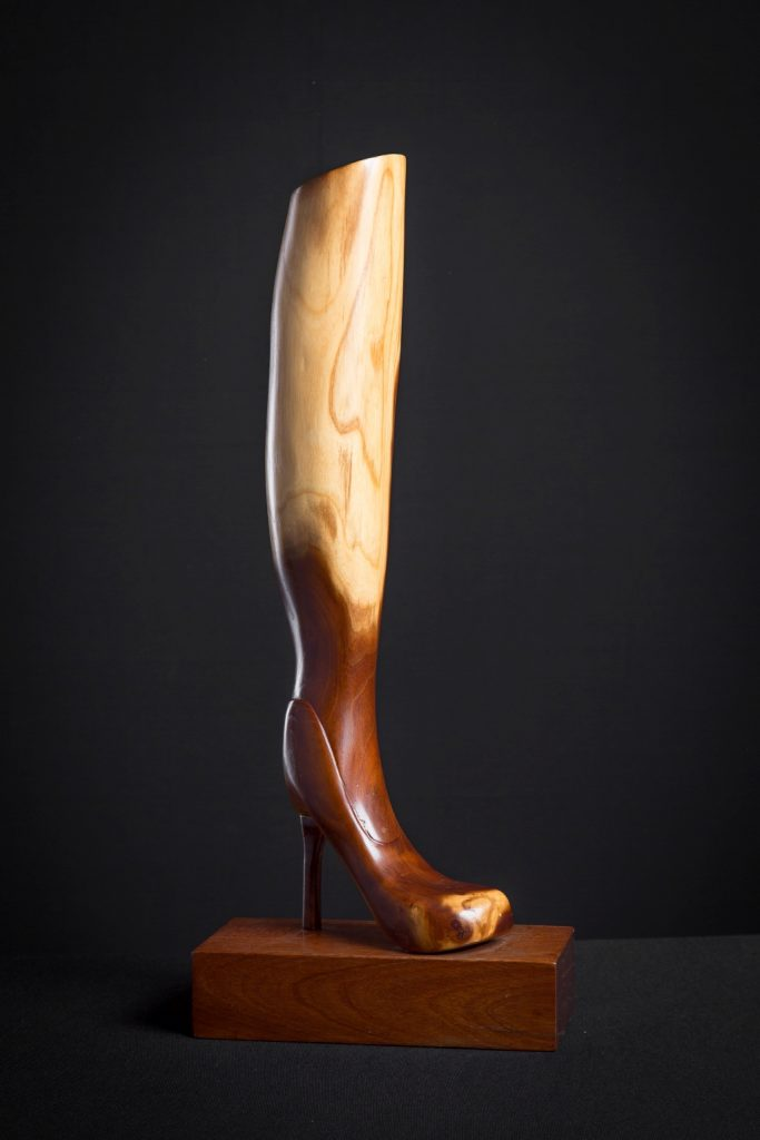 High Heels gemaakt van een Moerbei stam € 325.-